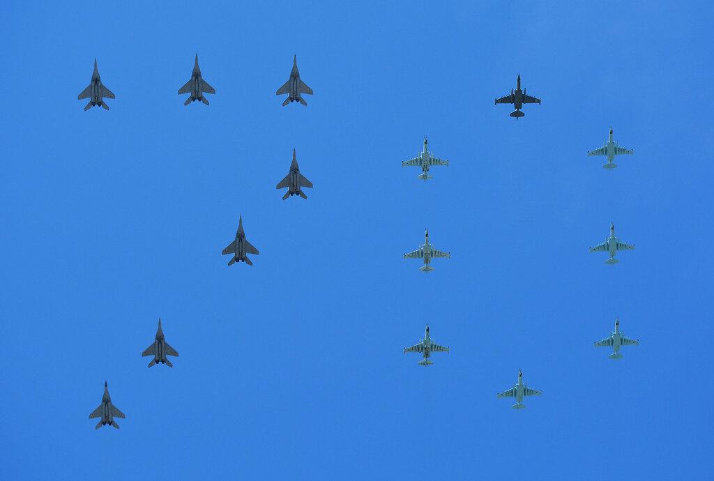 Parad31_Su_MiG.jpg