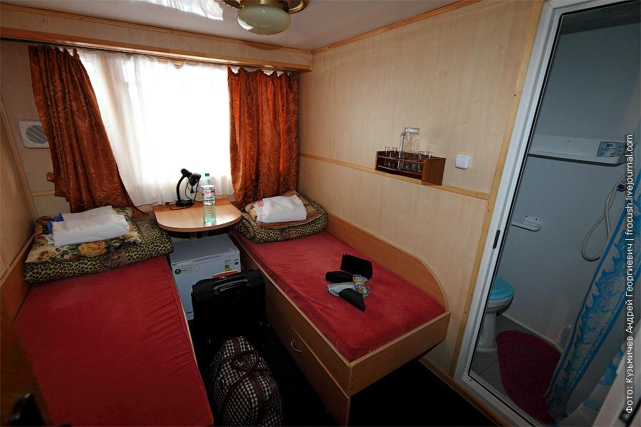 Двухместная одноярусная каюта №39 на средней палубе. теплоход Белинский