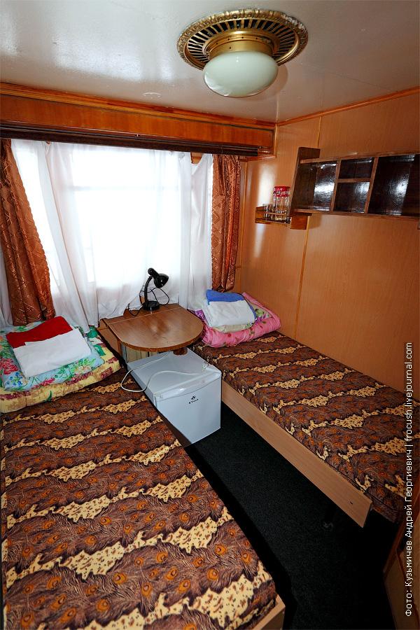 Двухместная одноярусная каюта №14 на средней палубе. теплоход Белинский