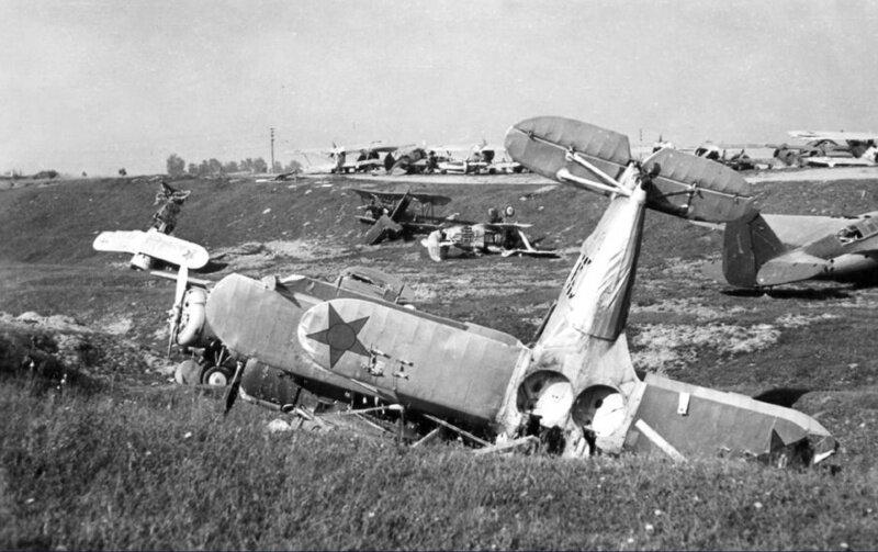 Истребители «Чайка» И-153. Аэродром Минска. Начало июля 1941 года