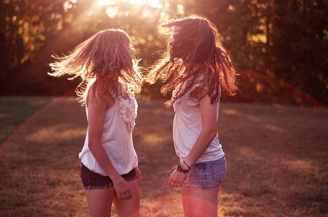 Как фотографировать друзей двух