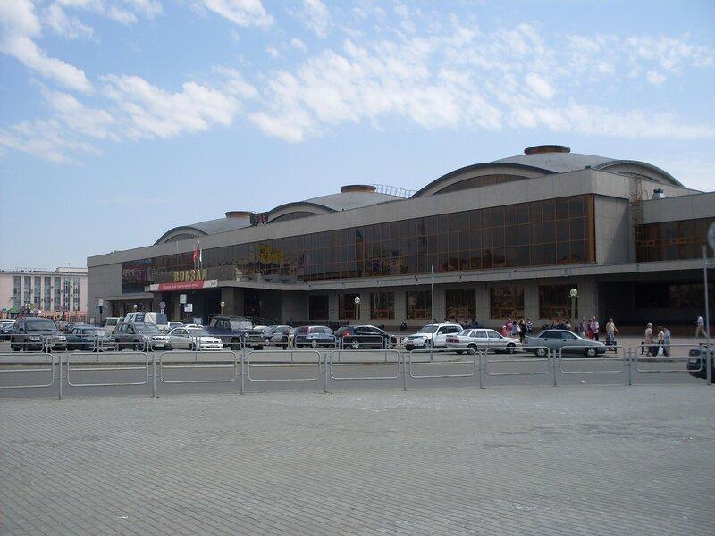 Здание железнодорожного вокзала в Челябинске