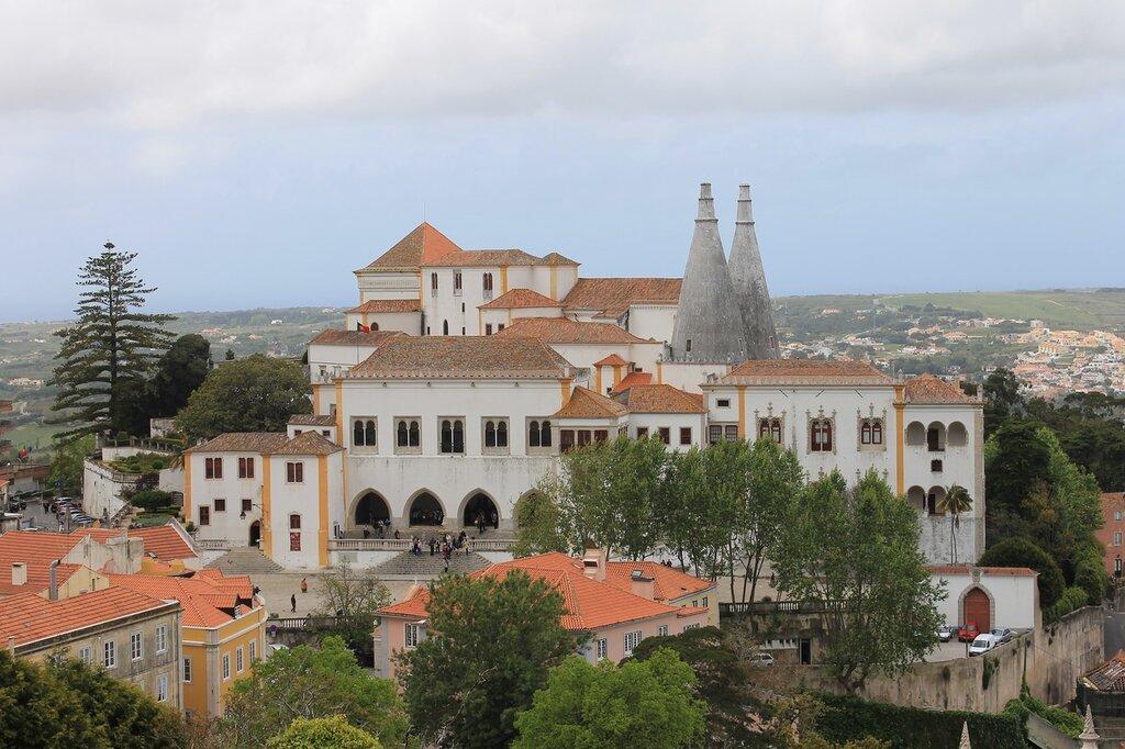 Синтра. Национальный Дворецю Sintra.  Palácio Nacional de Sintra