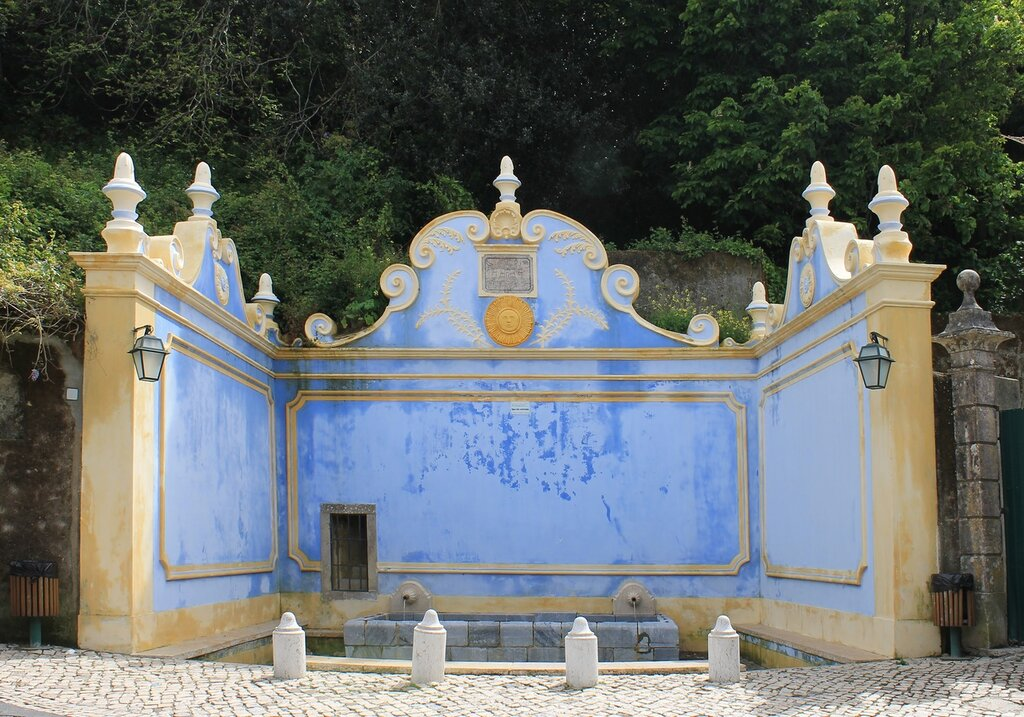 Синтра. Sintra. Casa dos Penedos. фонтан