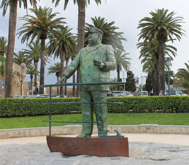 Кашкайш. Памятник Карлушу I. Cascais Carlos I o Martirizado monument
