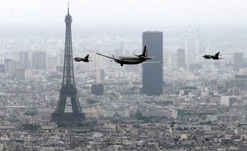 Flying Over La Dйfense on Bastille Day, Paris, France скачать