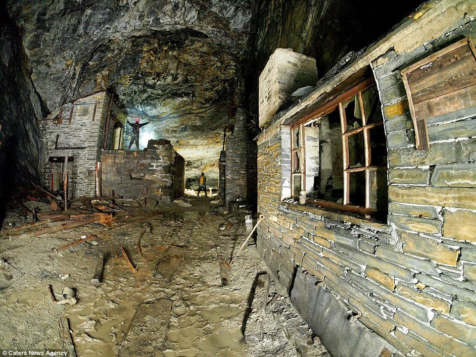 6. Флюоритовый рудник в графтсве Дербишир.