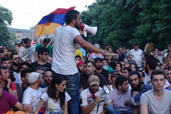 Армянские протесты.