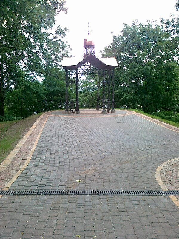 Площадка перед Кокоревской альтанкой
