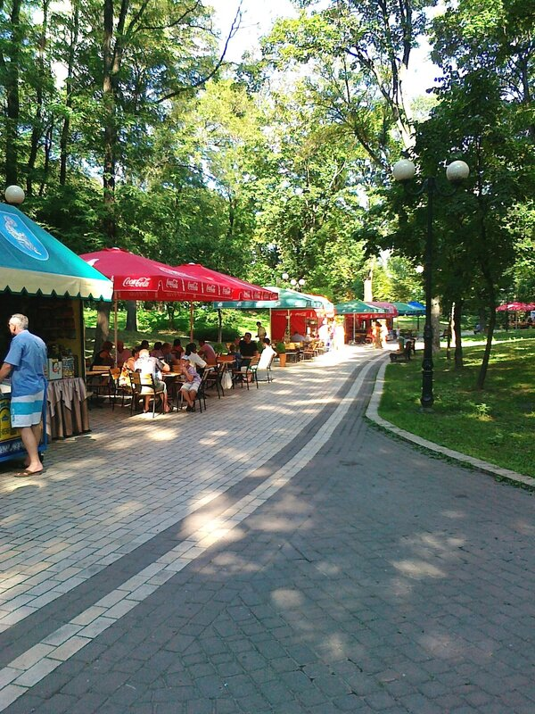Летнее кафе в Мариинском парке
