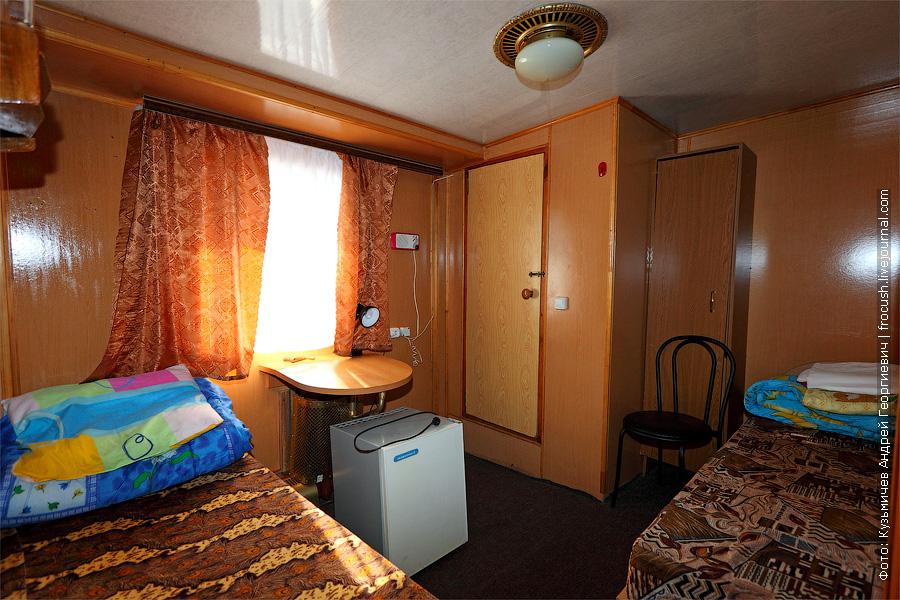 Двухместная одноярусная каюта №29 на главной палубе. теплоход Белинский
