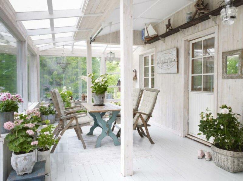 Интерьеры летних домиков