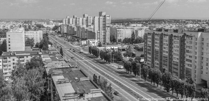 Чебоксары, пр. 9-ой Пятилетки, 2012 год (оттенки серого)