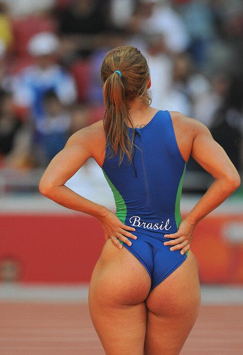 Фото спортсменки в стрингах фото 394-894