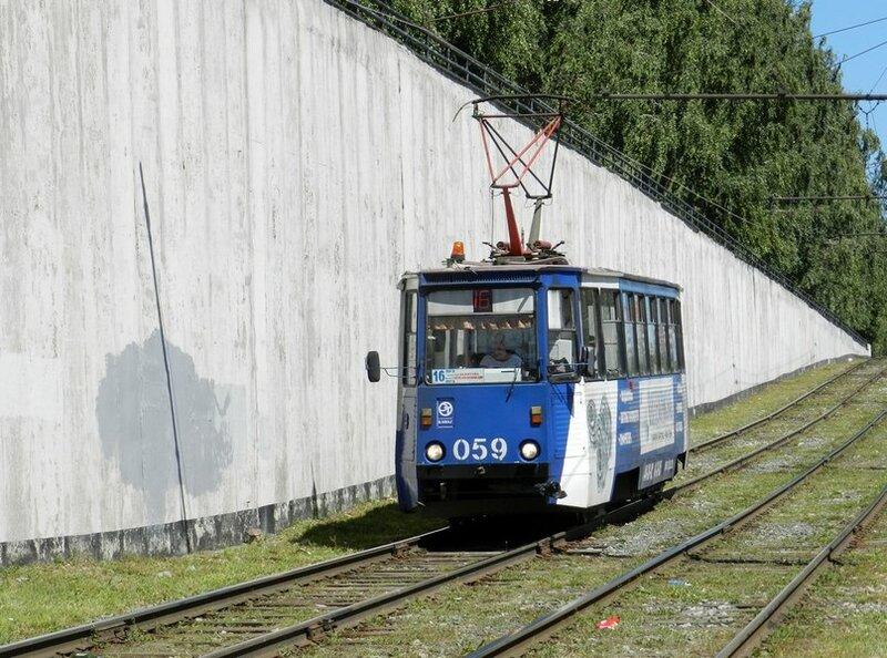 Набережные Челны.  Московский проспект, маршрут 16.