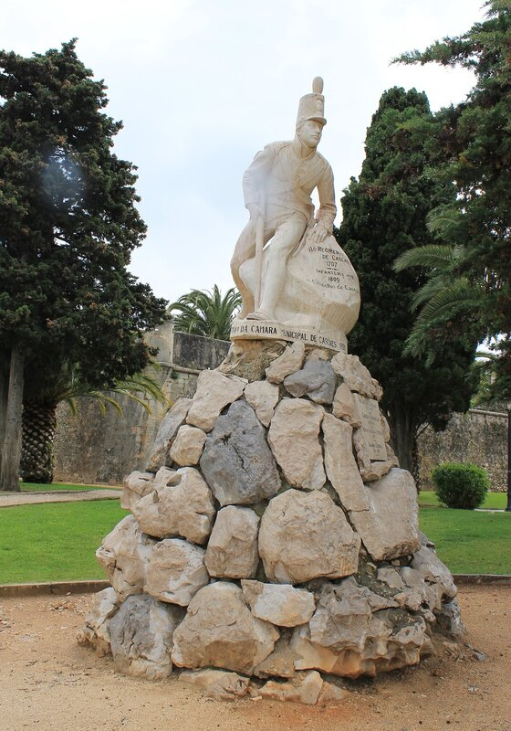 Кашкайш. Памятник 16 пехотному полку. Cascais. 19 infantry regiment monument