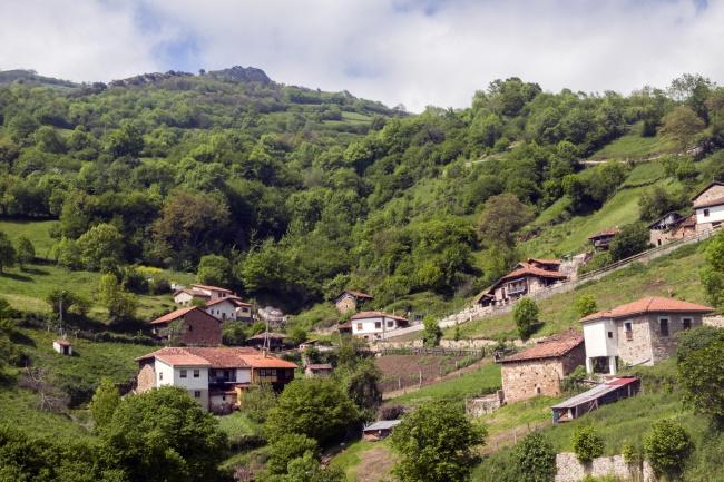 Понга, Астурия, Испания Эта восхитительная маленькая деревушка на заповедных территориях сев