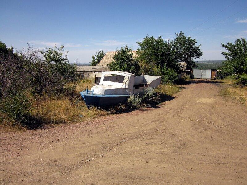 Сухопутный катер на спуске к Донцу