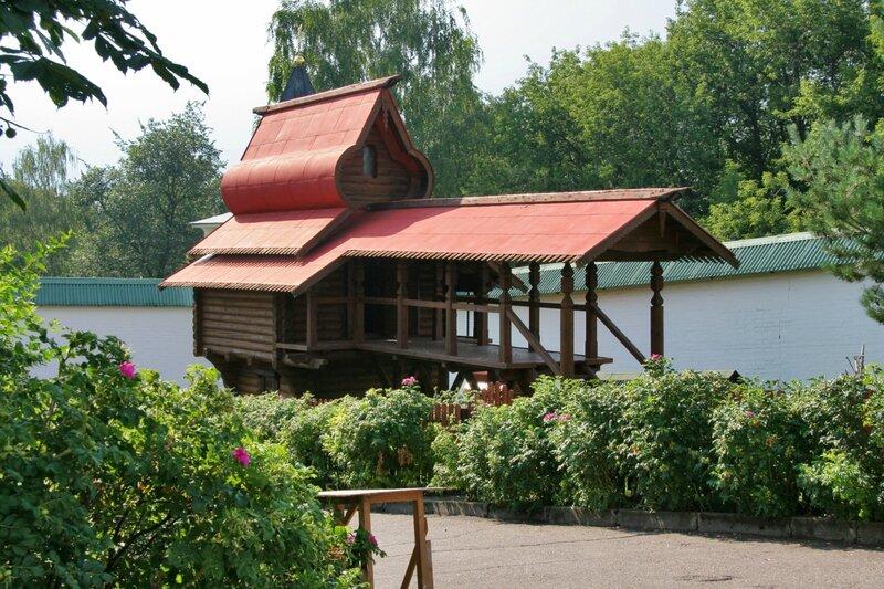 Дмитров, Борисоглебский монастырь, Монастырский птичник