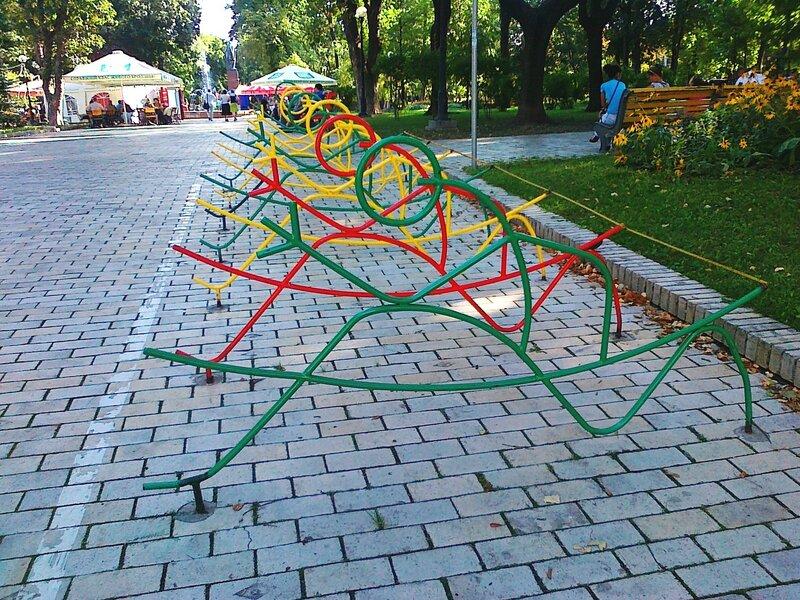 Велопарковка в парке Шевченко