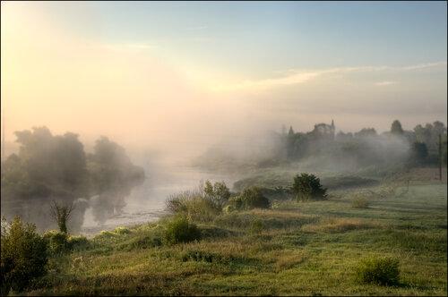 Розовый туман. р.Нерль.