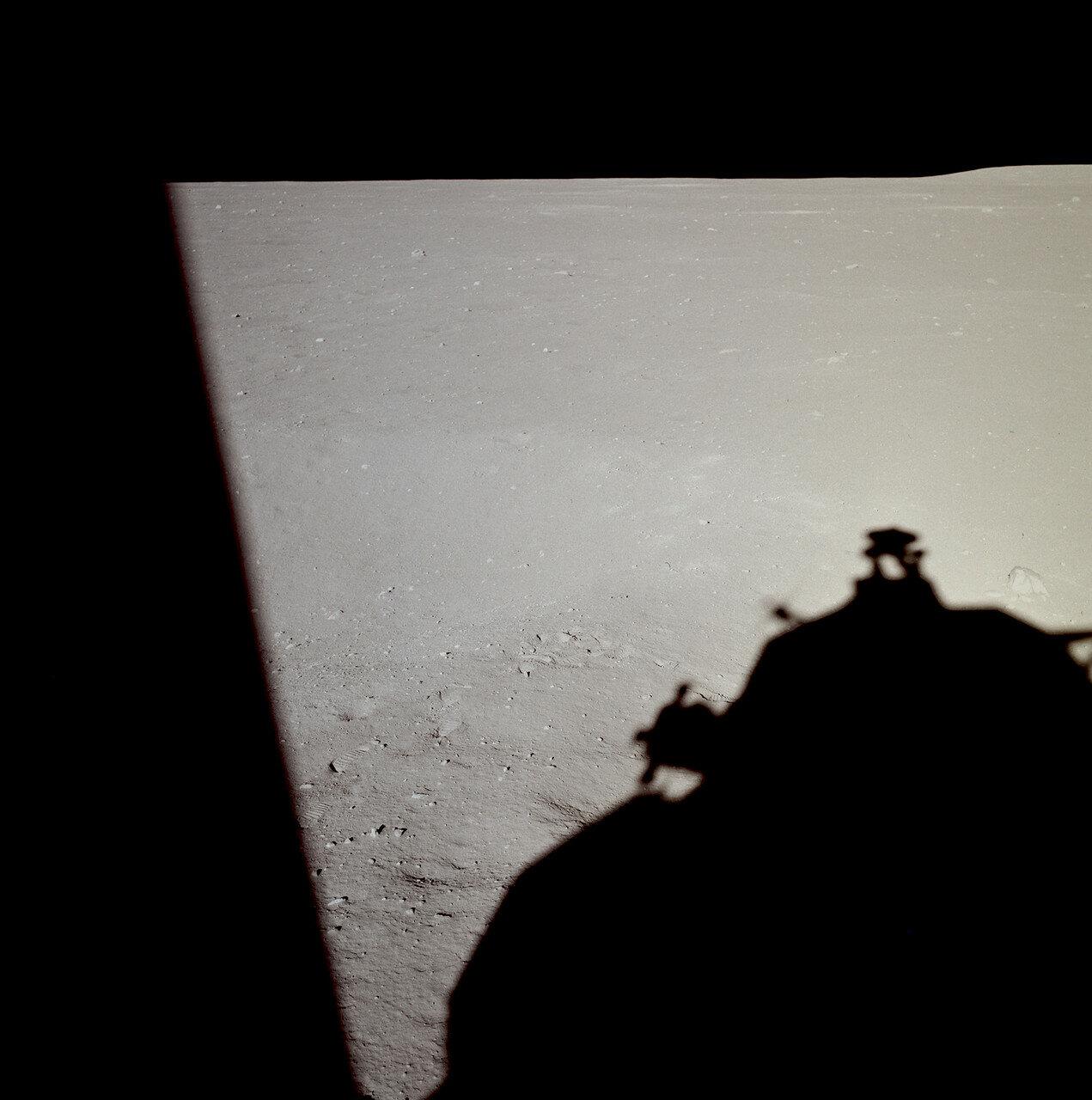На высоте примерно 140 метров командир перевёл компьютер в полуавтоматический режим