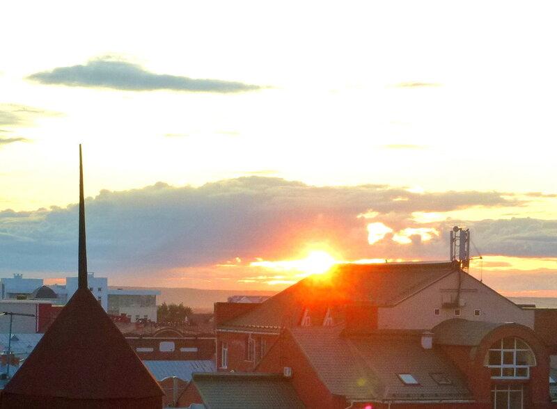 Крыши старого Томска на закате