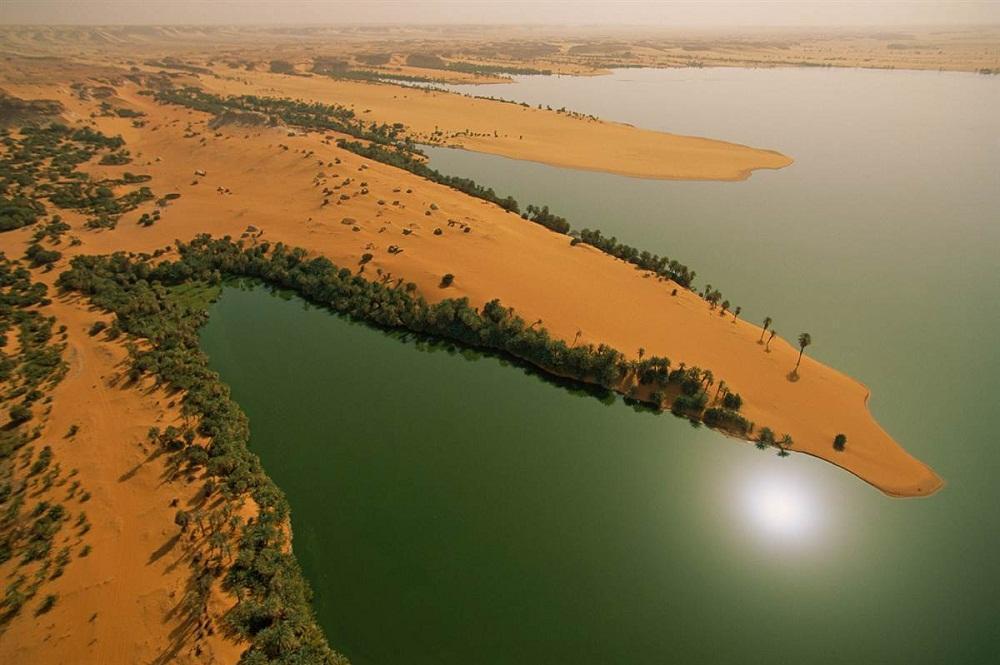 6. Унианга-Кебир, Чад. Небольшие хижины разбросаны по песчаным полуостровам озера Унианга-Кебир, так