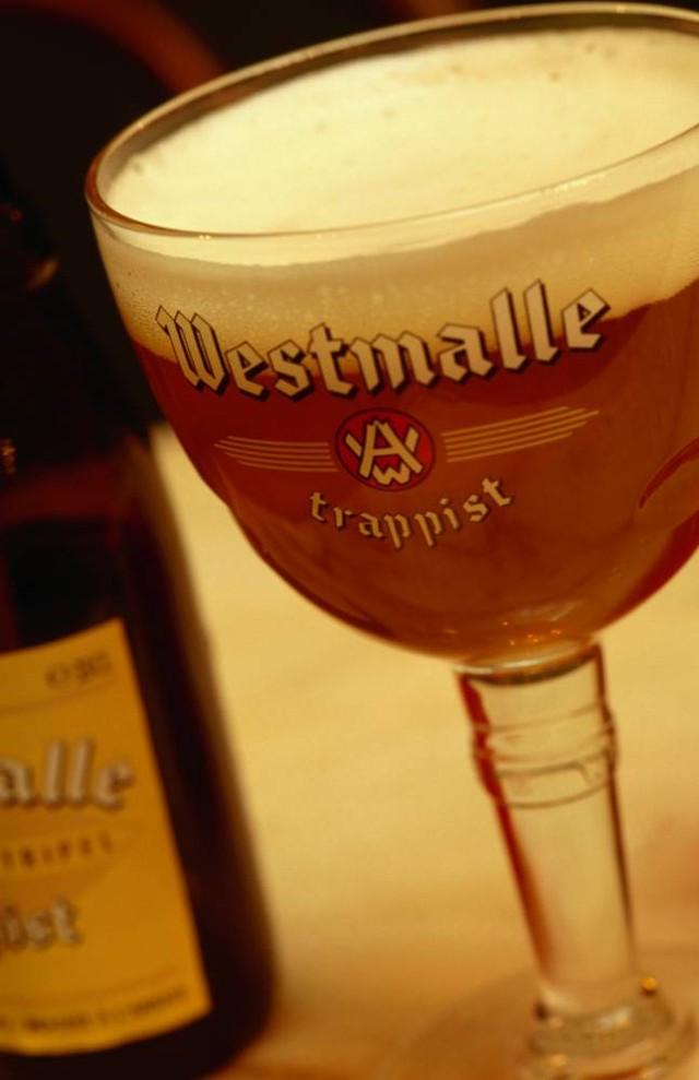 2. Пиво помогает похудеть. В обществе широко распространен стереотип о том, что от пива толстеют. Но