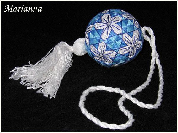 Бело-голубые цветы - кисть