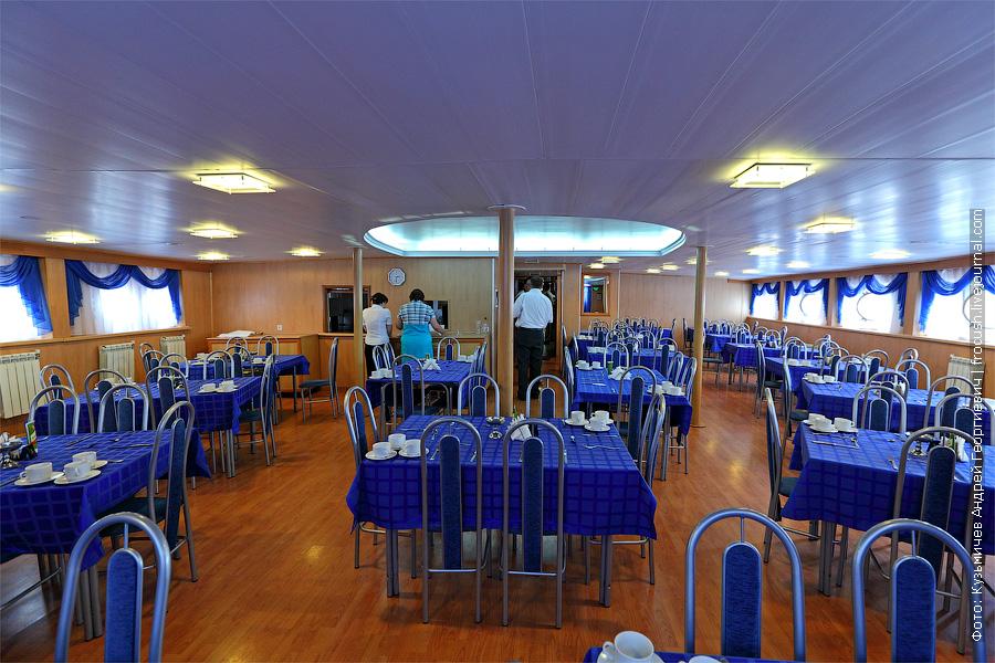 теплоход Плеханов Г.В. ресторан на главной палубе