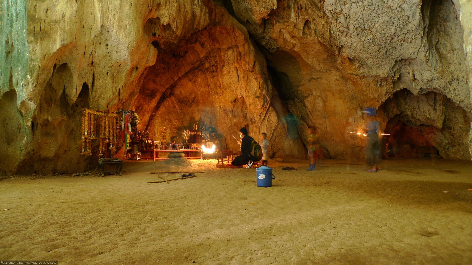 Phraya Nakon Cave