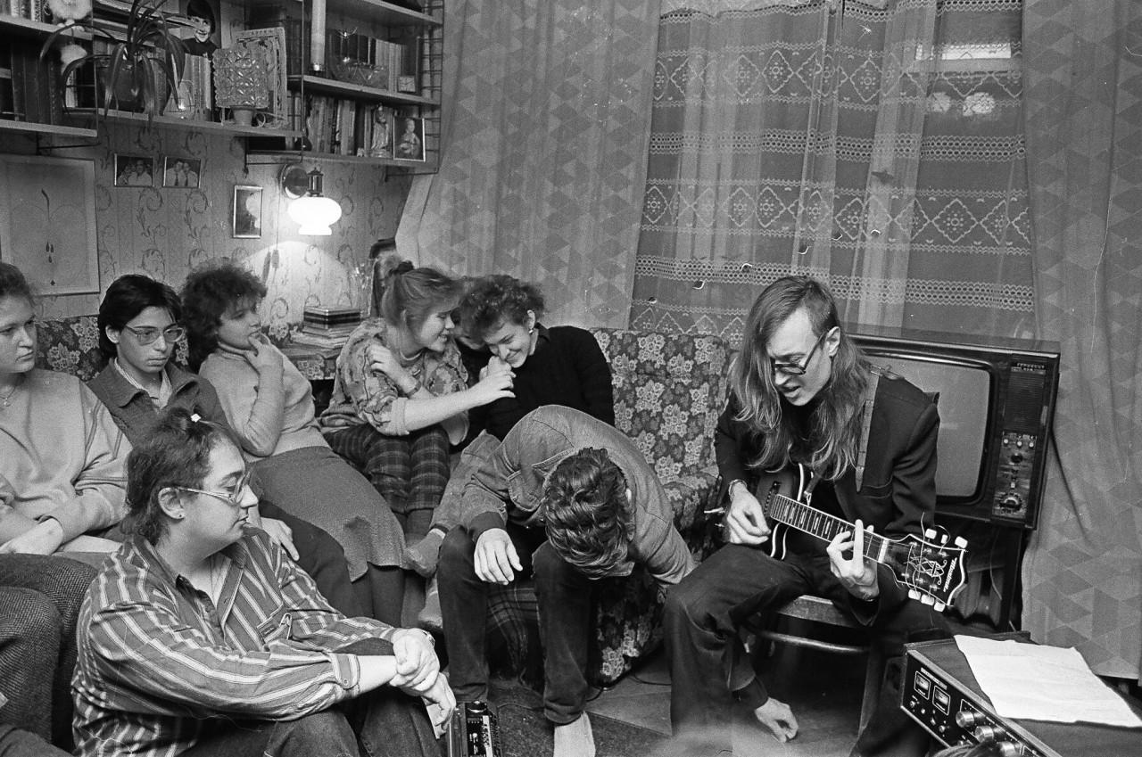 Квартирник на «Гражданке» в Питере, 1991 год.