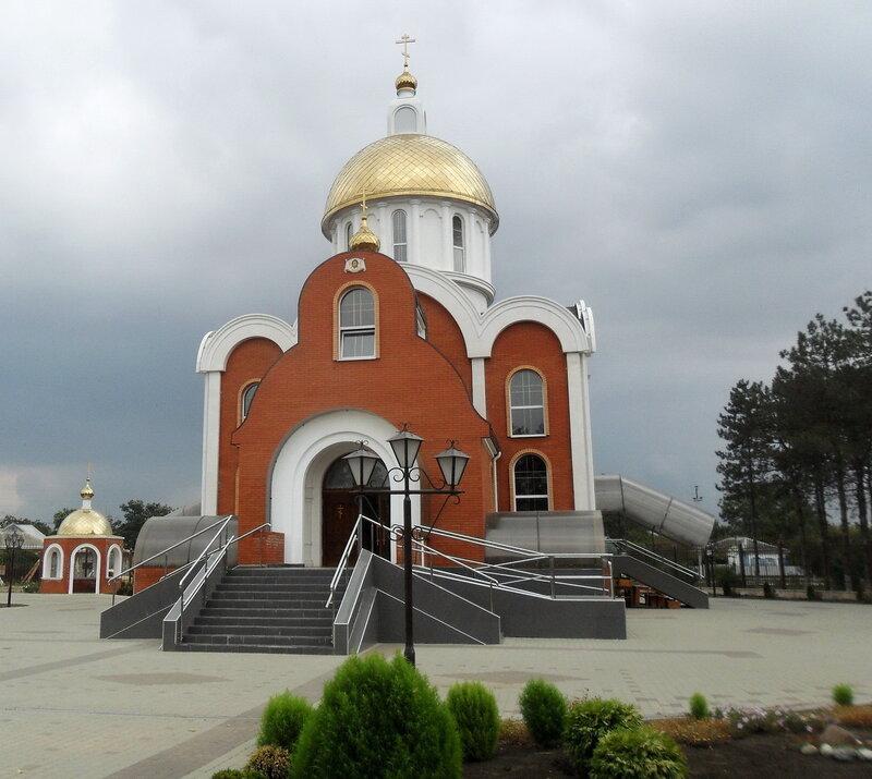 Храм ... В Бриньковской, 21 августа 2012, 10:03
