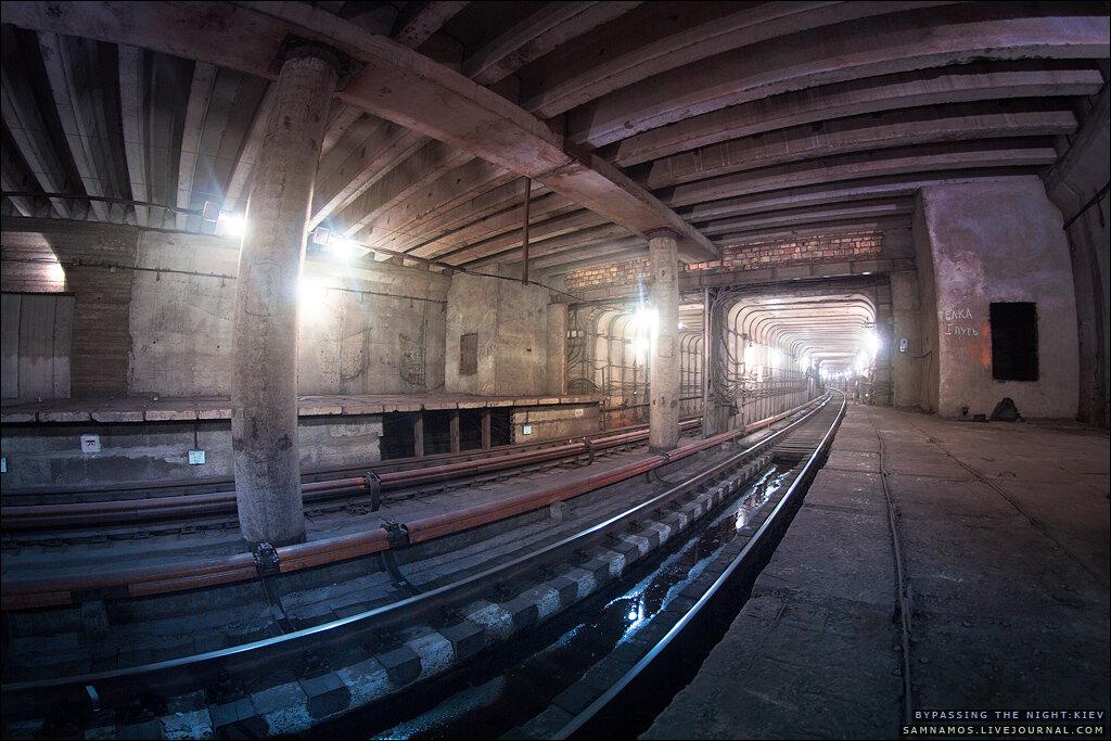 0_83ef0_63b7e783_XXL Три станции-призрака Киевского метро глазами диггеров