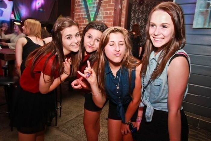 Детки в клубе ночном эротические шоу