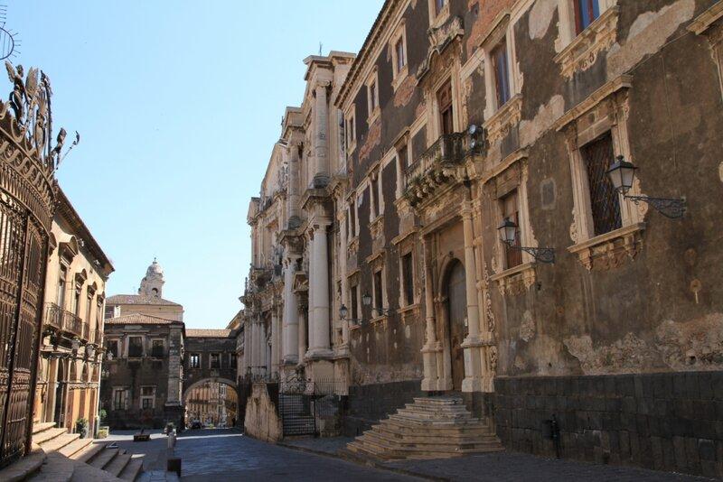 Сицилия, Катания, Виа Крочифери