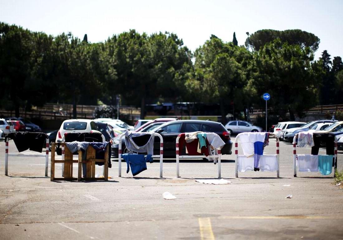 Ж/д вокзал итальянского Милана превратился в бомжатник: Миграционная политика ЕС (22)