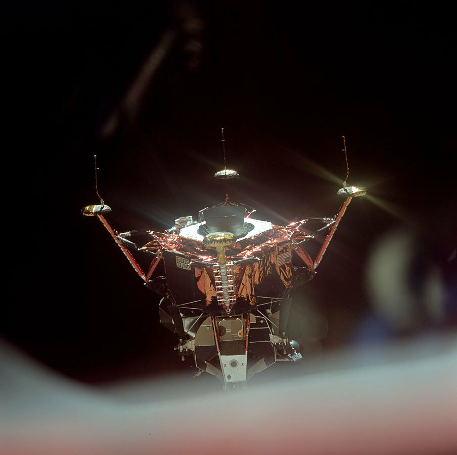 Выполнение этого манёвра привело к так называемому складыванию рамок трёхосного гироскопа в навигационной системе «Орла».