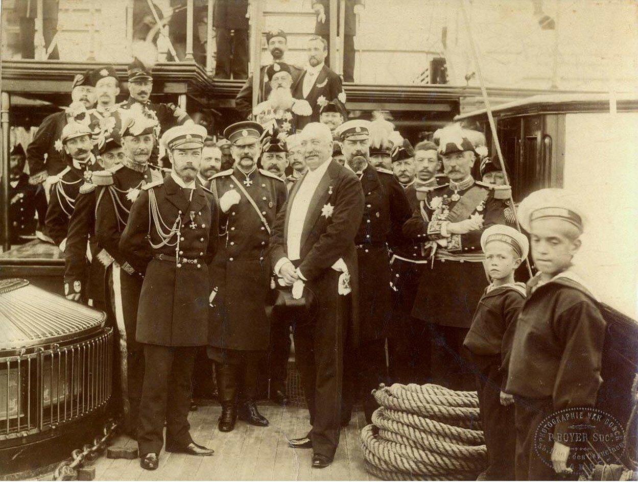 Император Николай II с президентом Франции Феликсом Фором
