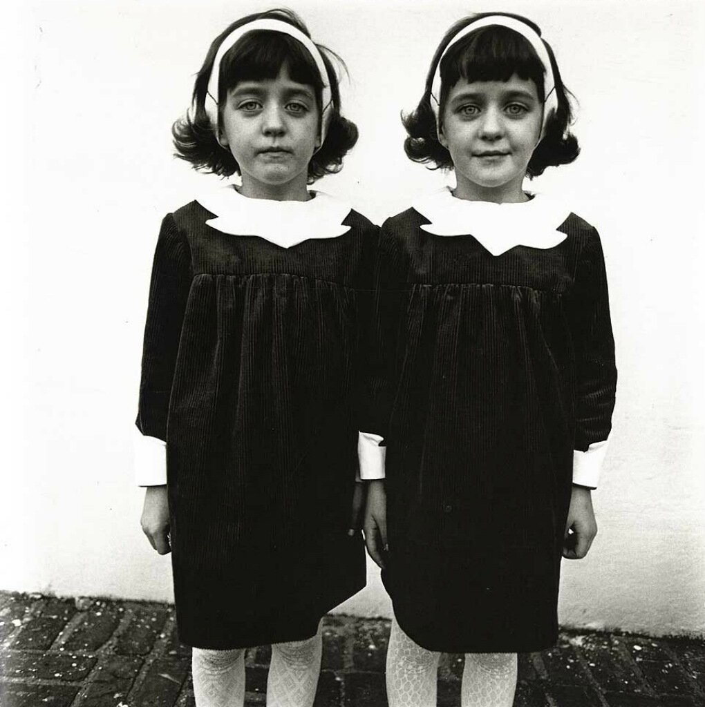 Identical twins, Roselle, N.J. 1967 - Photo by Diane Arbus