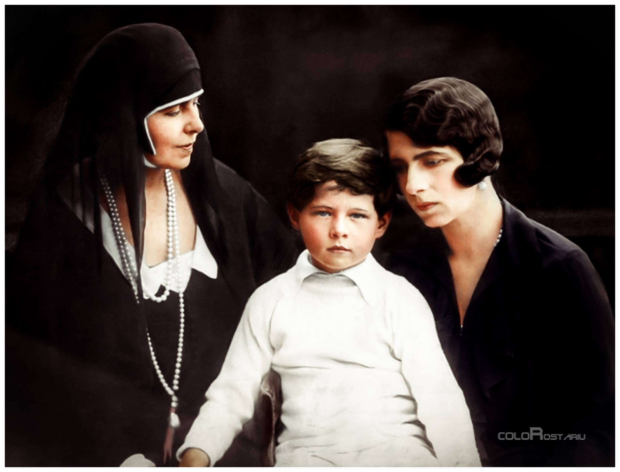regele-mihai-al-romaniei-regina-elena-queen-mother-of-romania-princess-of-greece-and-denmark-queen-maria-the-king.jpg
