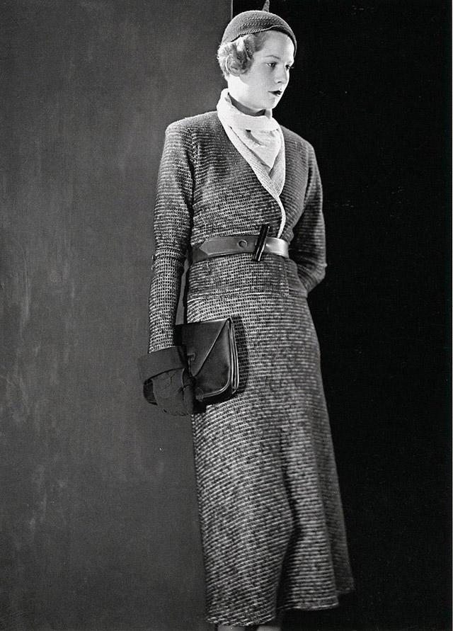 13. Для каждого вида одежды, в том числе и для костюма, было характерно большое разнообразие фасонны