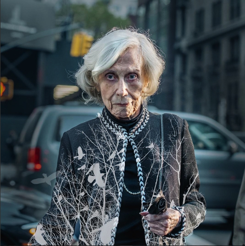 Свои уличные фотографии и уличные портреты, которые он снимал по маршруту от Центрального вокзала до