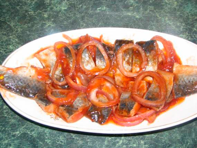 Вкусная-сельдь-в-томатном-маринаде.jpg