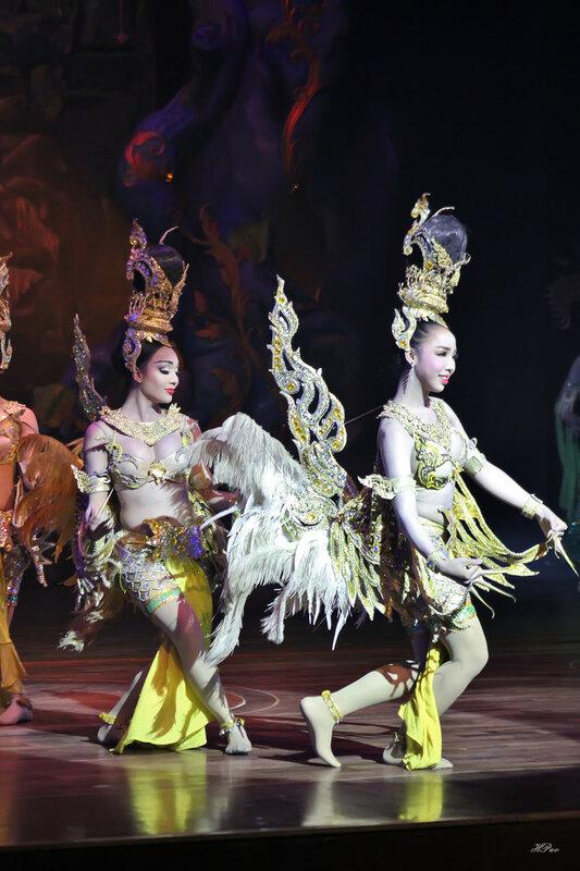 Шоу трансвеститов «Альказар», г. Паттайя, Таиланд