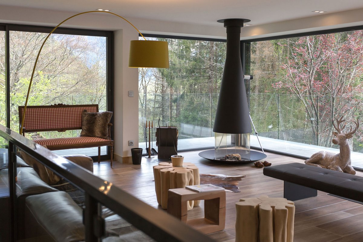 Solelya, Chevallier Architectes, Лез-Уш шале, шале во Франции, шале фото, панорамное остекление фото, дом в горах Франции, дом с видом на горы фото