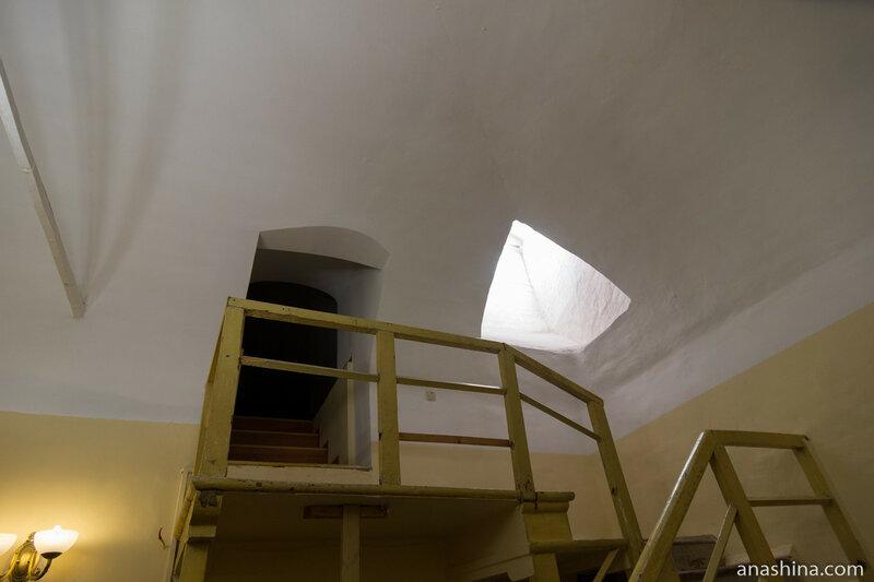 Лестница на четвертый этаж