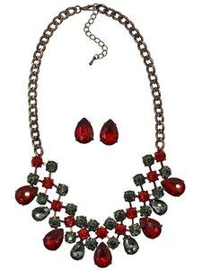 ожерелье красного цвета, украшение красного цвета