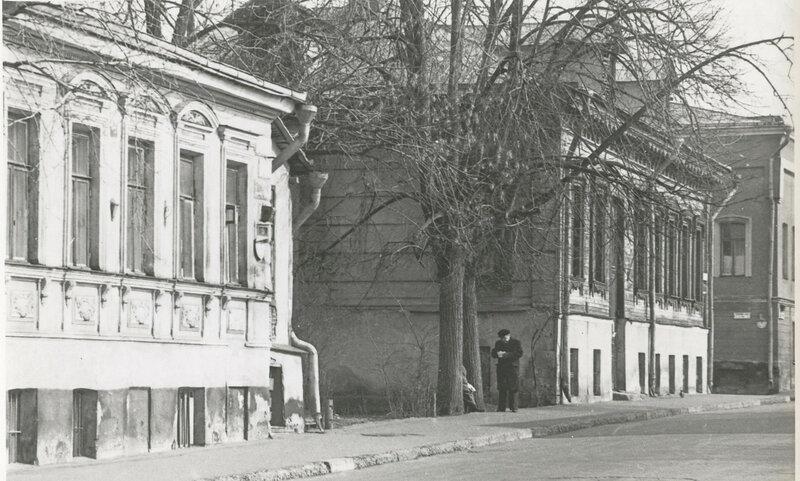 63280 Старые домики на улице Володарского 1971 г..jpg